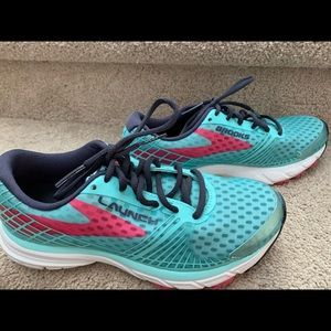 Brooks ladies shoes